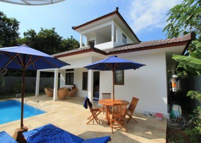 Nice village villa with pool: €120.000