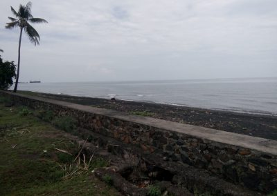 incredible beach front land for sale 10 min from Lovina