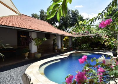 village villa with a beautiful tropical garden 195.000.- Euro (LISTING:LVP0401)