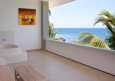 249771-beach-front-hotel-in-perfect-state-for-sale-24-794